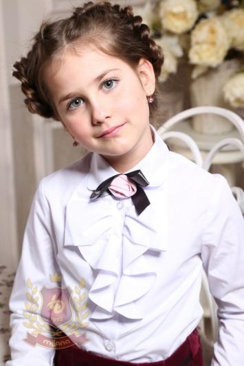 Блуза с длинным рукавом и «розочкой» белая