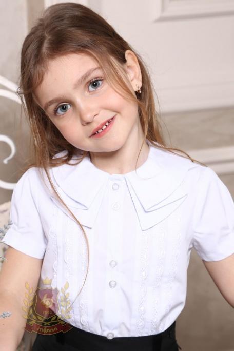 Блуза с коротким рукавом и воротником