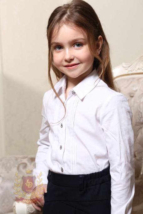Блуза с вертикальными защипами белая