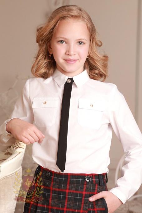 Блуза с золотыми пуговицами