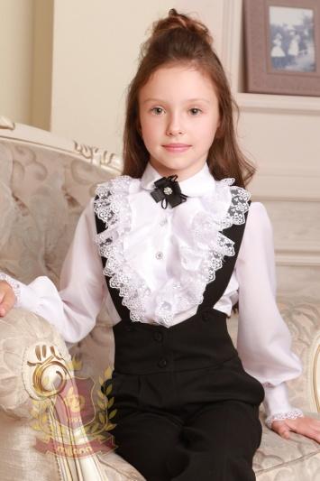Белая блуза в романтическом стиле