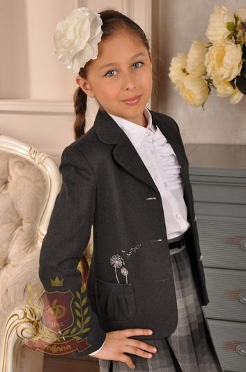 Жакет с накладными карманами и вышивкой